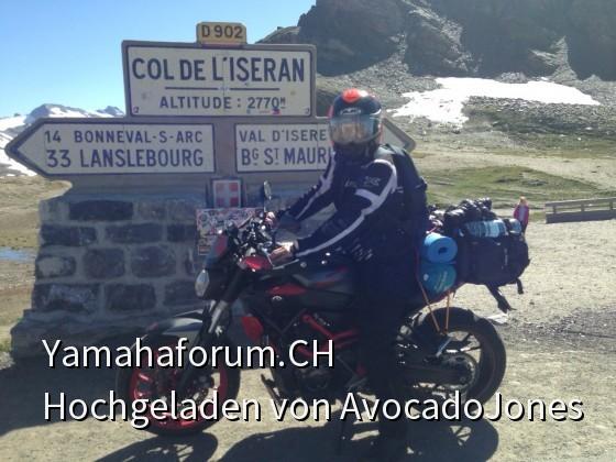 MT 07 Moto Cage auf dem Col de L'Iseran